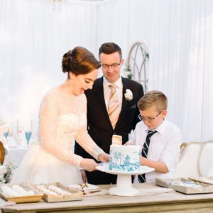 Lindsey + Anthony: Traditional British Wedding - Cutting the cake